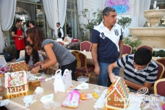 Decorate Your Gingerbread House At Amethyste 20121125