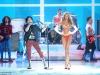 candice-swanepoel-10-million-bra-at-victorias-secret-fashion-show-11