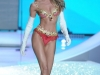 candice-swanepoel-10-million-bra-at-victorias-secret-fashion-show-18